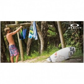 Oakley Transducer 19 Board Shorts red line
